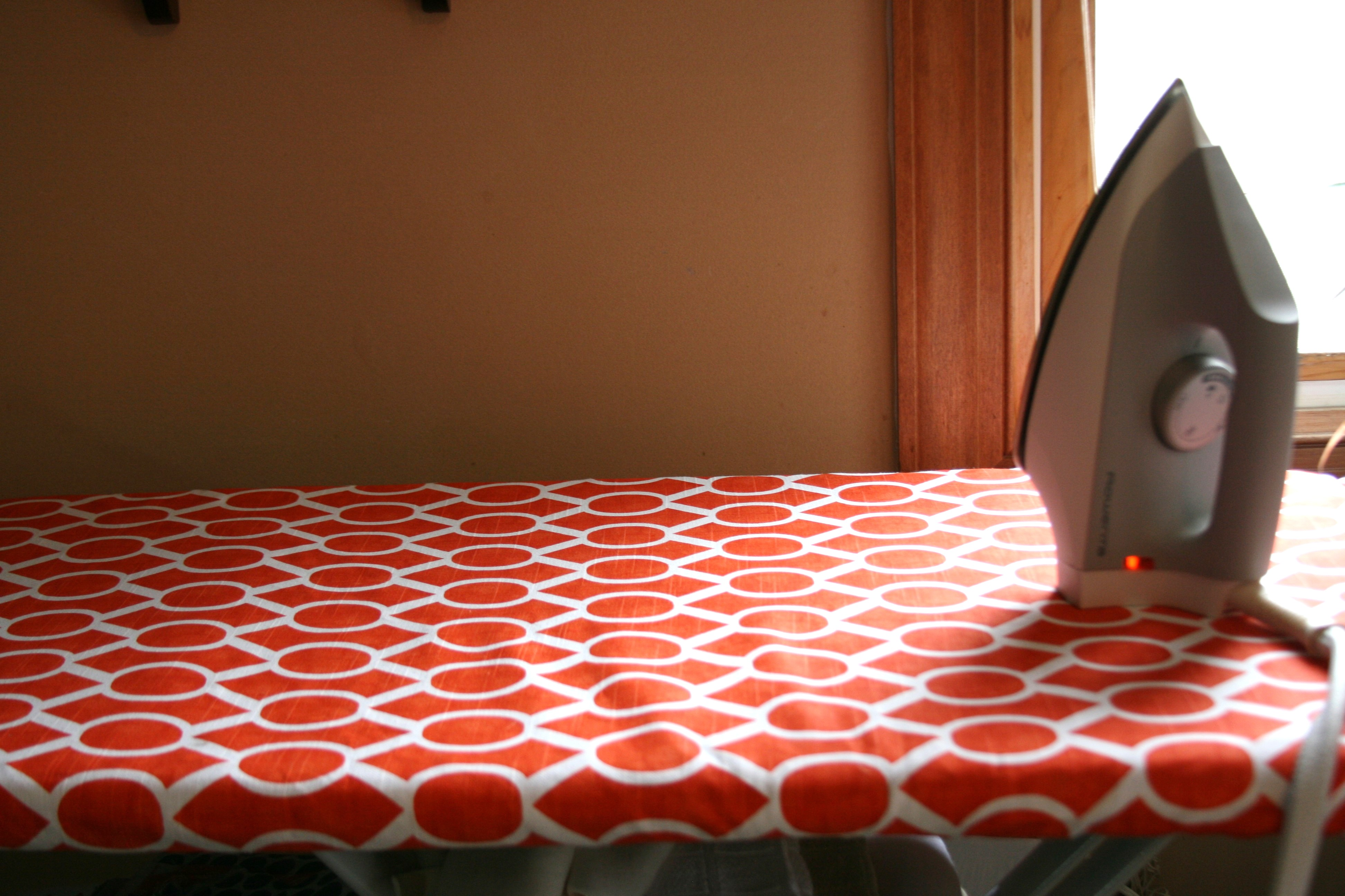 Ironing Board Cover DIY! You Can Do It! | Sew Fine Fabric : quilted ironing board cover - Adamdwight.com